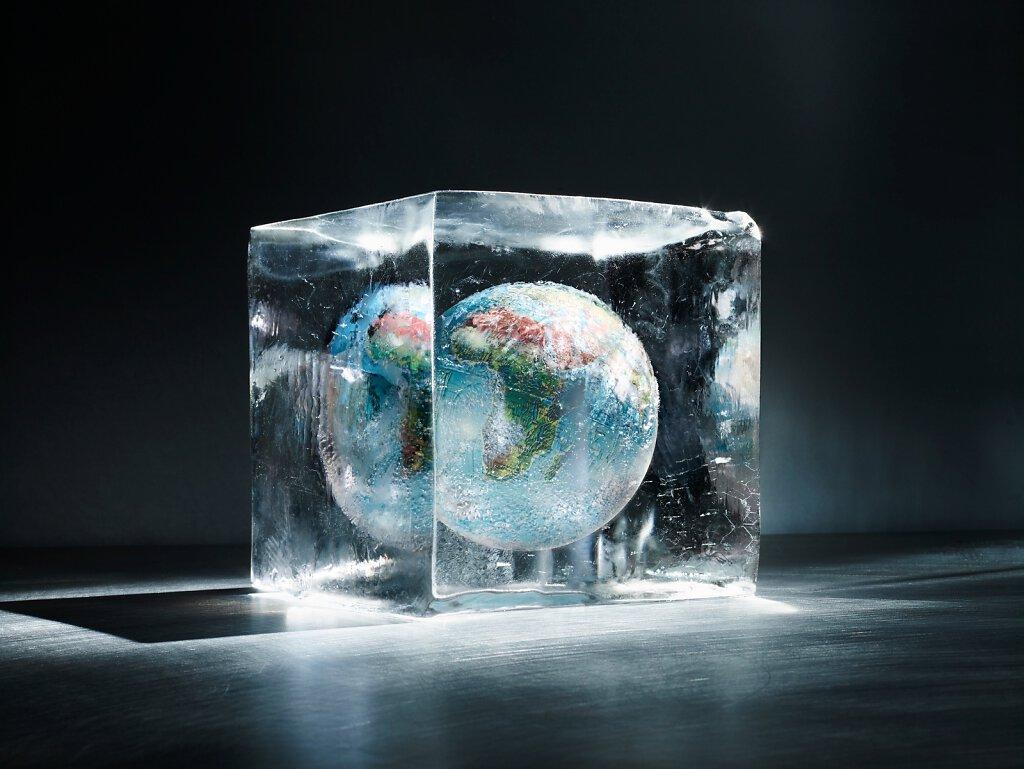 Globus in Eis