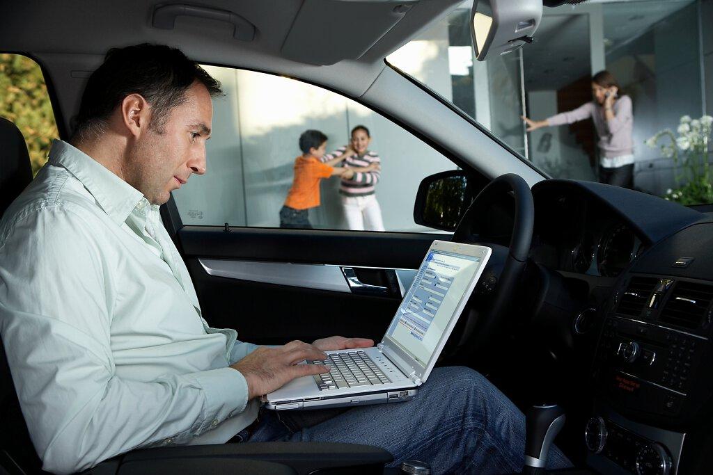 Arbeiten im Auto